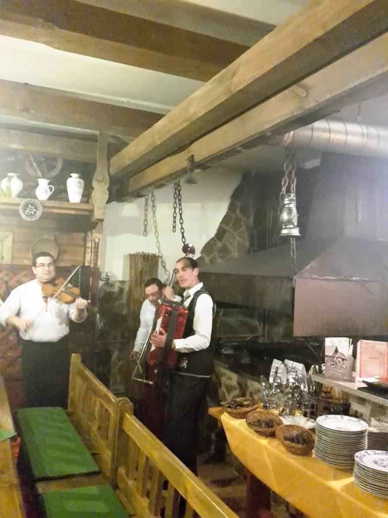 Kapela dobrze grała, także polskie kawałki