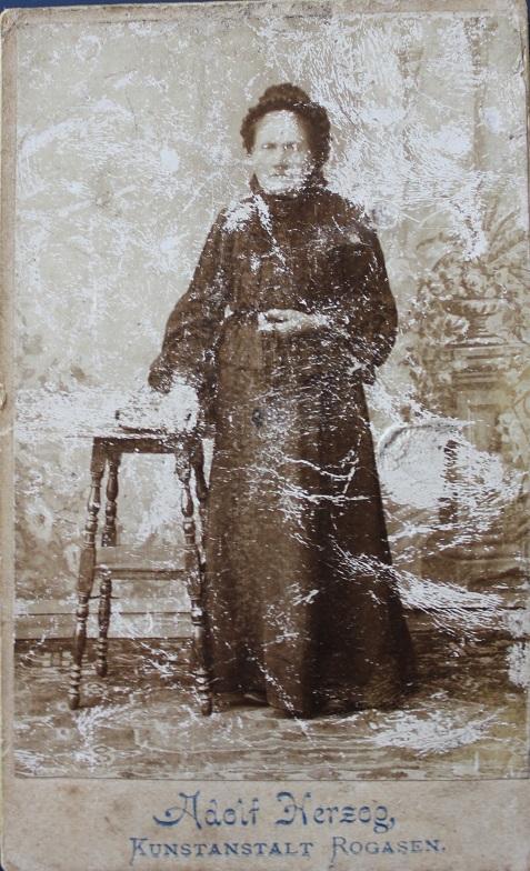 Oryginalne zdjęcie Wiktorii Osińskiej zd. Gummer zkońca XIX wieku